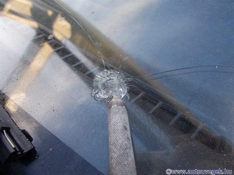 autóüveg javítás
